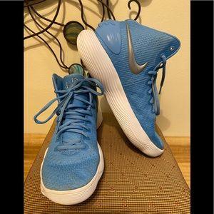 Nike HD Women's Sz 8.5 Basketball Shoes